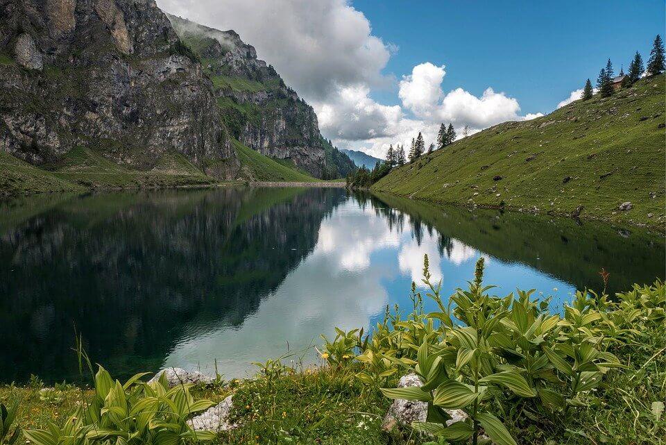 Rekomendasi Tempat Terbaik Menikmati Indahnya Danau Rawa Pening