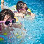 Cara Mengajari Anak Berenang Dengan Benar