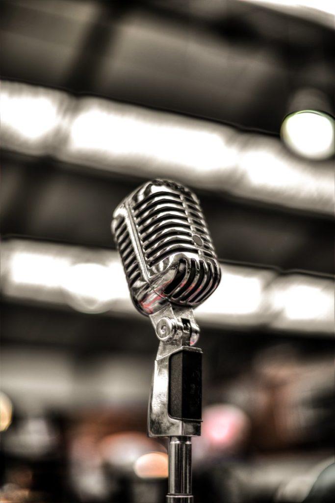 Yuk Intip 6 Aplikasi Karaoke Terbaik Untuk Bernyanyi Secara Online